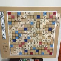 Óriási mágneses táblán még királyabb a Scrabble