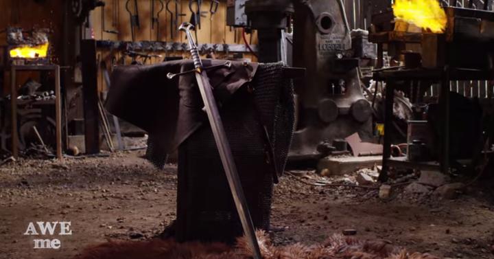 Így kovácsolják Aragorn kardját