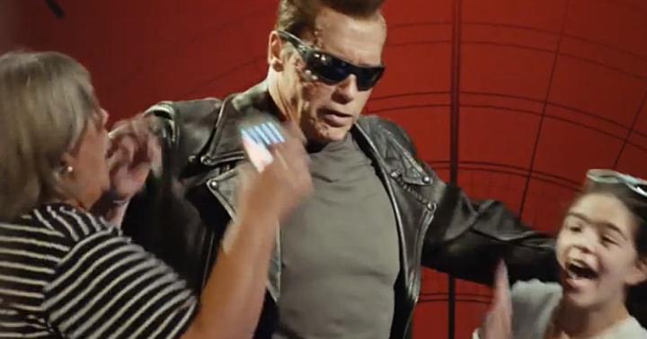 Így ijesztgetiArnold Schwarzenegger a népeket