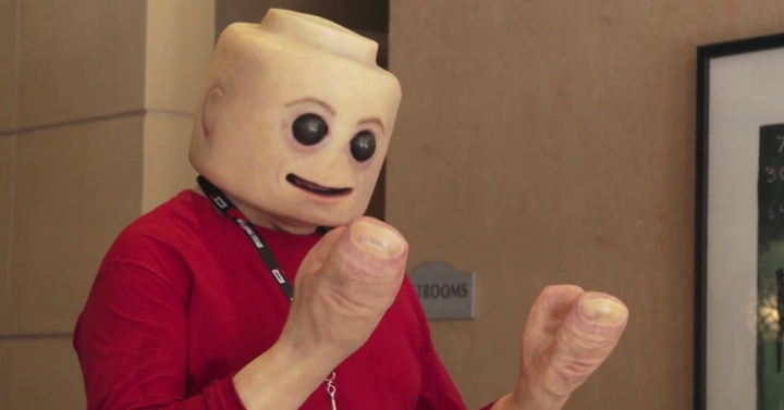A LEGO jelmez, amely rémálmaidban fog kísérteni