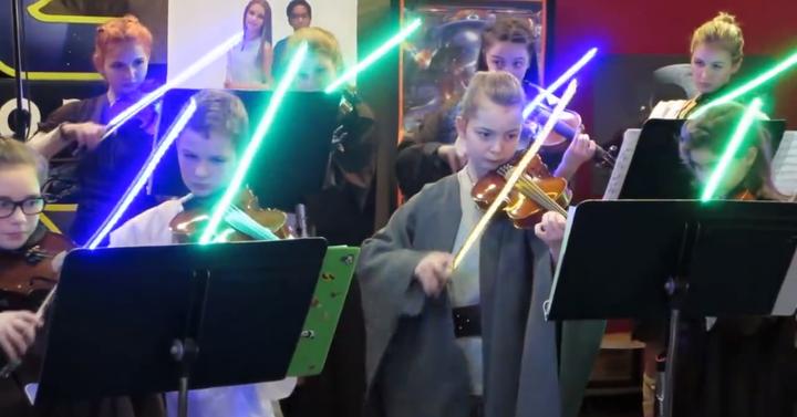 Hegedűt ragadtak a padawanok