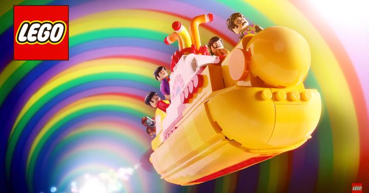 Itt a hivatalos The Beatles LEGO készlet