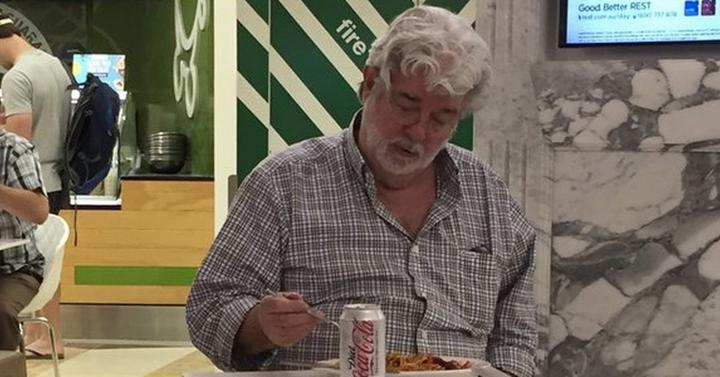 Van szomorúbb látvány a junk foodot burkoló George Lucasnál? :(