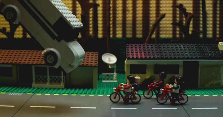 LEGO kisfilm készült a Stranger Things első évadából