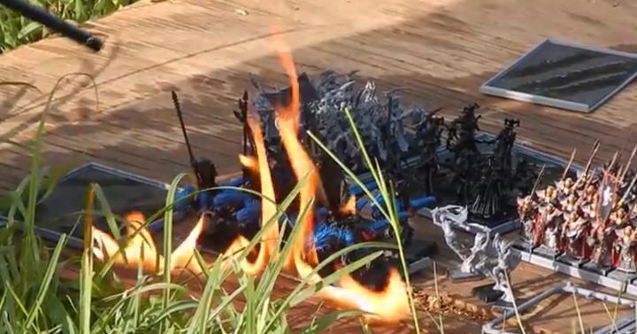 Így ég el egy legalább 900 dollárt érő Warhammer sereg