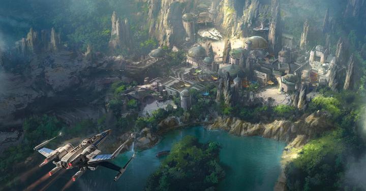 Lenyűgöző képeken és videón a Star Wars Land élethű makettje
