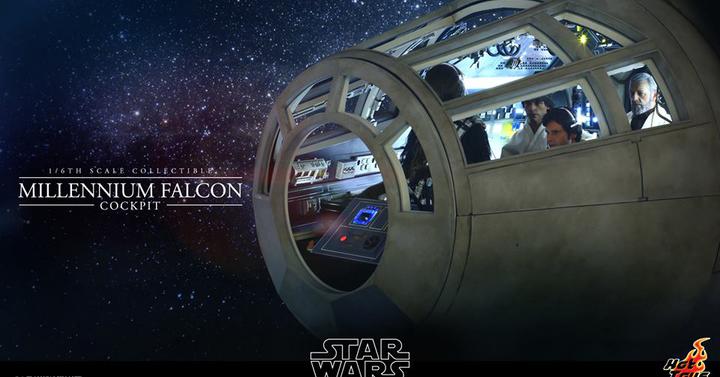 A Hot Toys Millenium Falcon pilótafülkéje mintha a filmből lépett volna ki