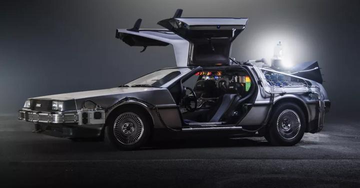DeLorean - folytatódik a kultikus autók gyártása