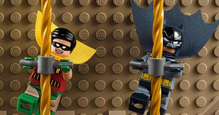 A LEGO ezzel a készlettel ünnepli a klasszikus Batman TV-sorozat 50. évfordulóját