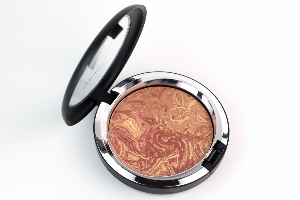 mac-star-trek-collection-mac-trip-the-light-fantastic-powder-in-highly-illogical-swatches-3.jpg