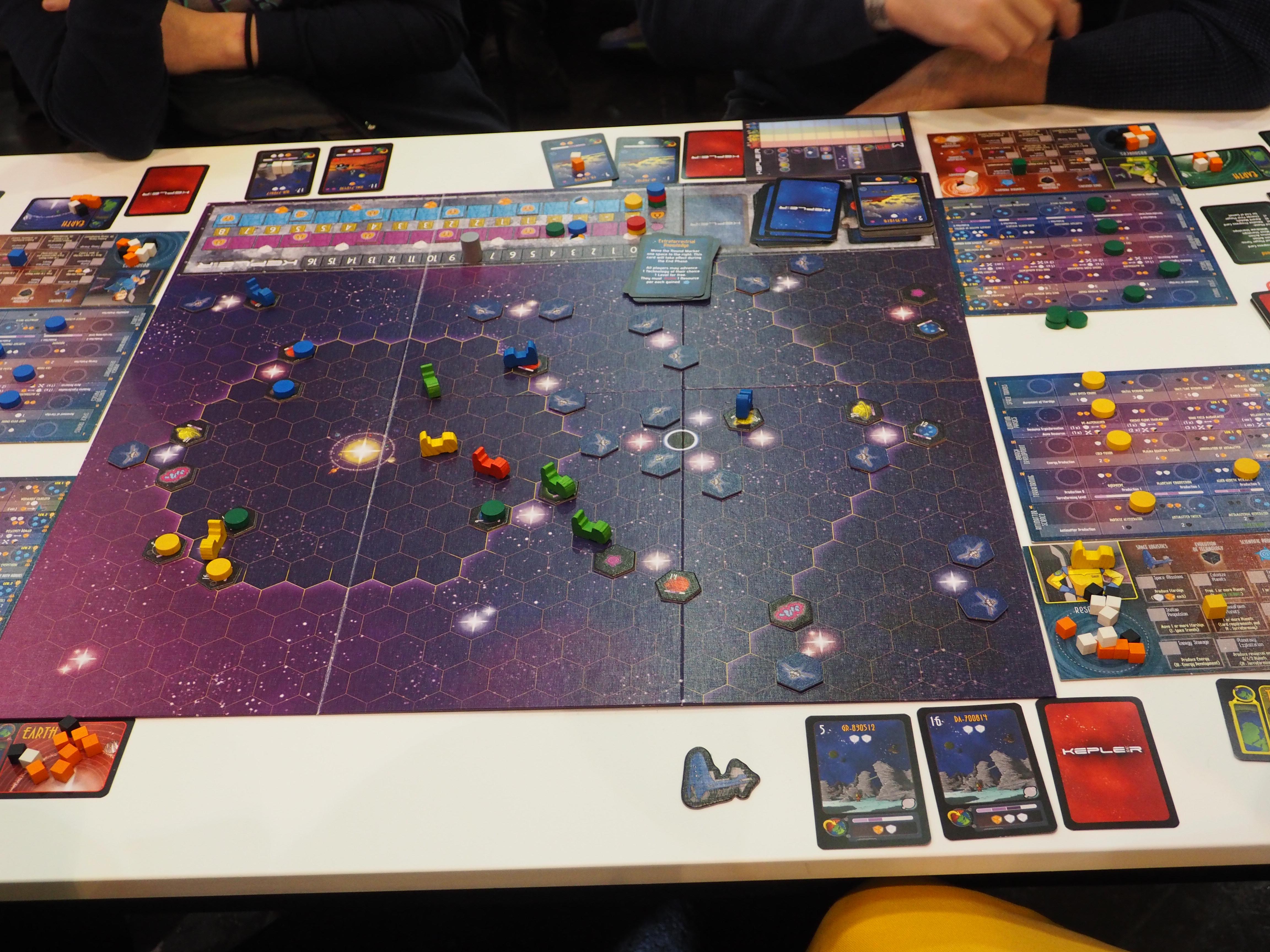 Kepler 3042 - békés űrutazás és felderítés