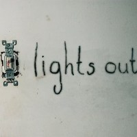 Amikor kialszik a fény (Lights Out, 2016)