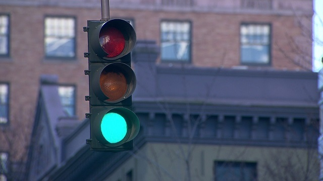 generic-traffic-light-street-light-12312014_1524572939856_40550975_ver1_0_640_360.jpg