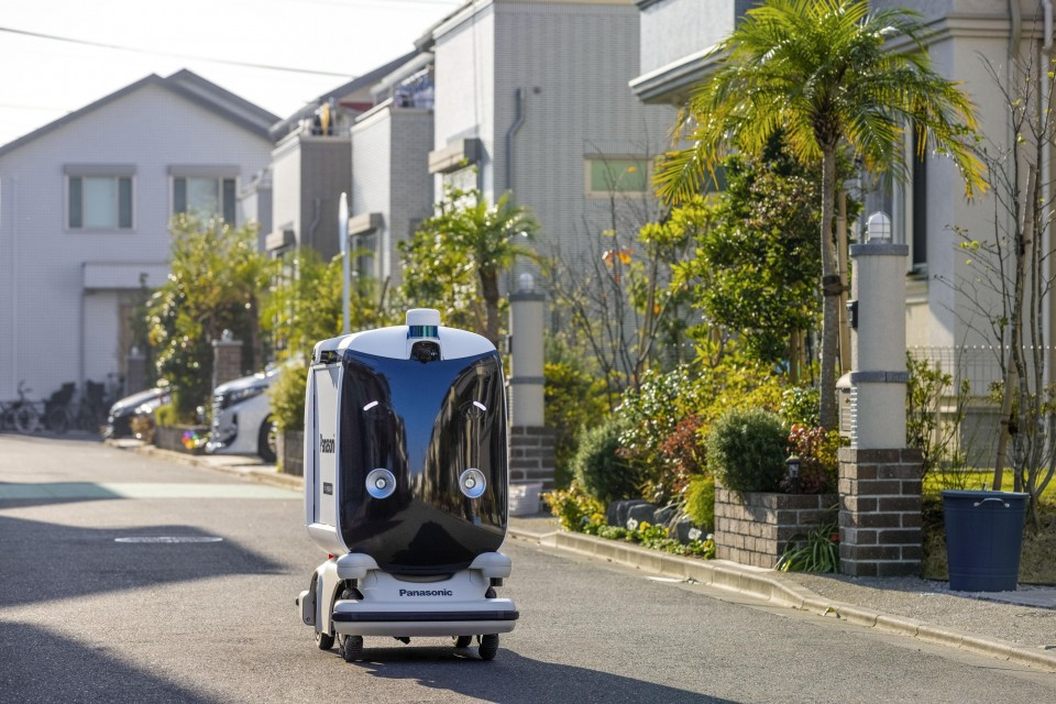 panasonic_self_driving_robot.jpeg