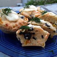 Füstölt lazacos, olívabogyós muffin