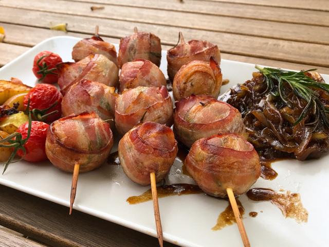 Baconös parázs burgonya barna sörös hagymával
