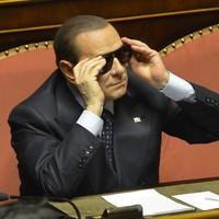 Meddig tartja túszul Berlusconi Olaszországot?