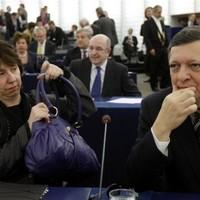 EU-s bizonyítvány: Ashton megbukott, Barroso kettes