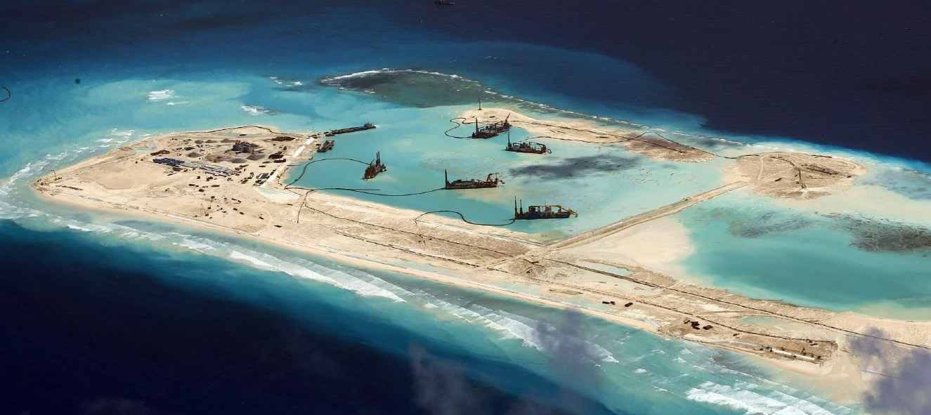 chinese-artificial-island-landing-strip.jpg