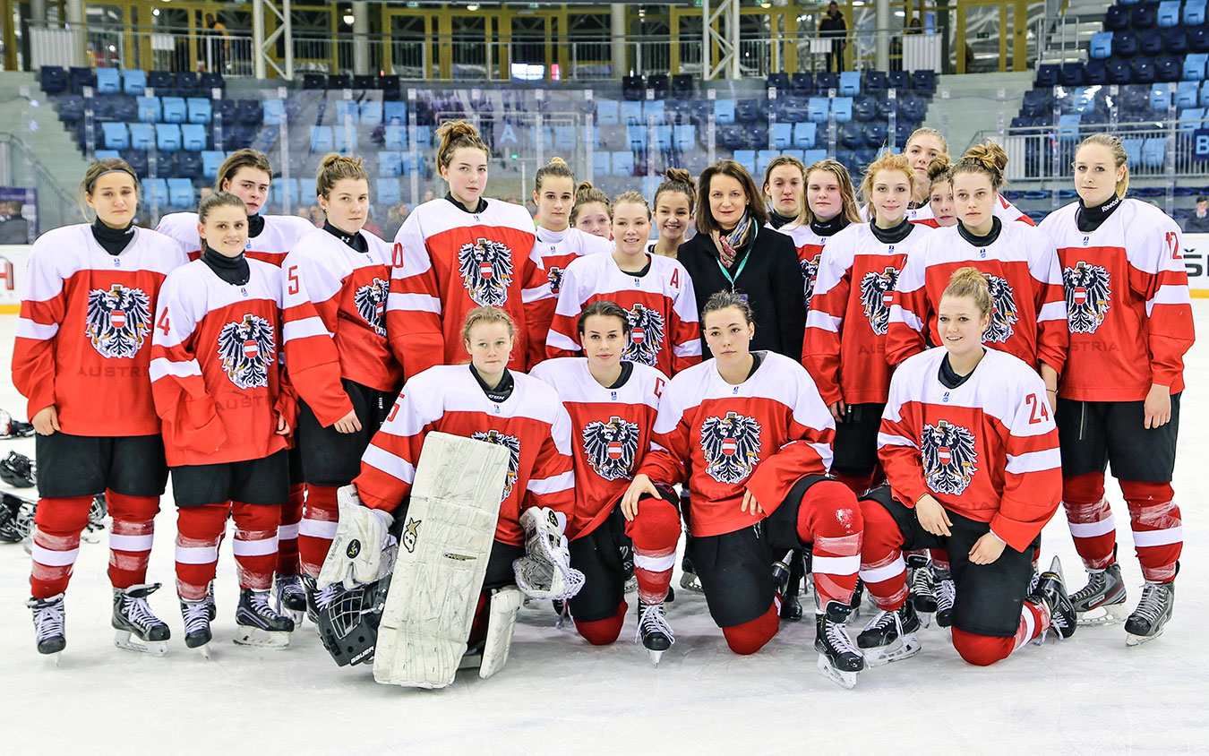 a-elisabeth-ellison-kramer-austria-womens-national-u18-ice-hockey-team.jpg