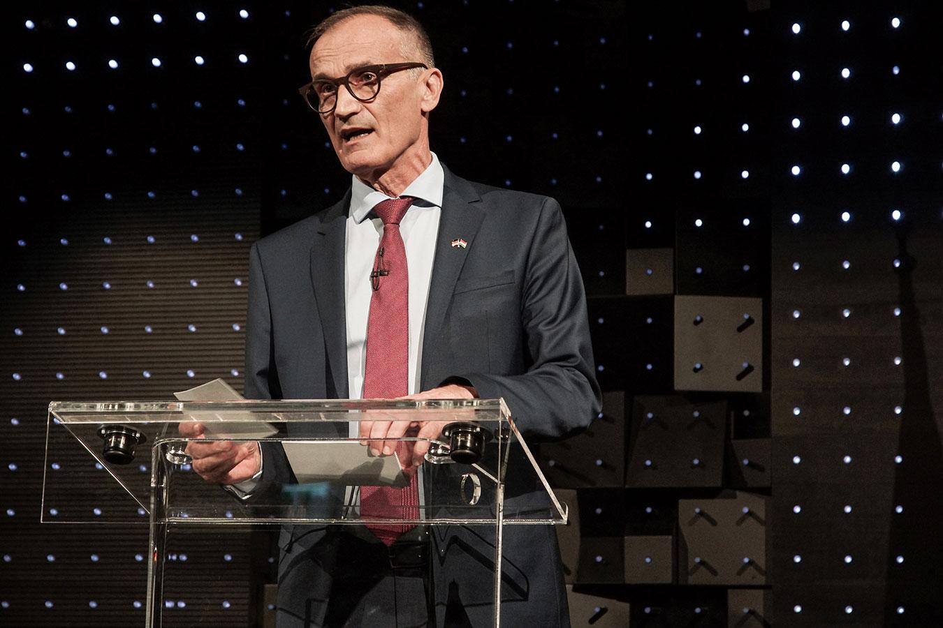 Őexc. Volkmar Wenzel, Németország magyarországi nagykövete ünnepi beszédet tart (2019.10.02)<br />(Fotó: Aigner Ivan)