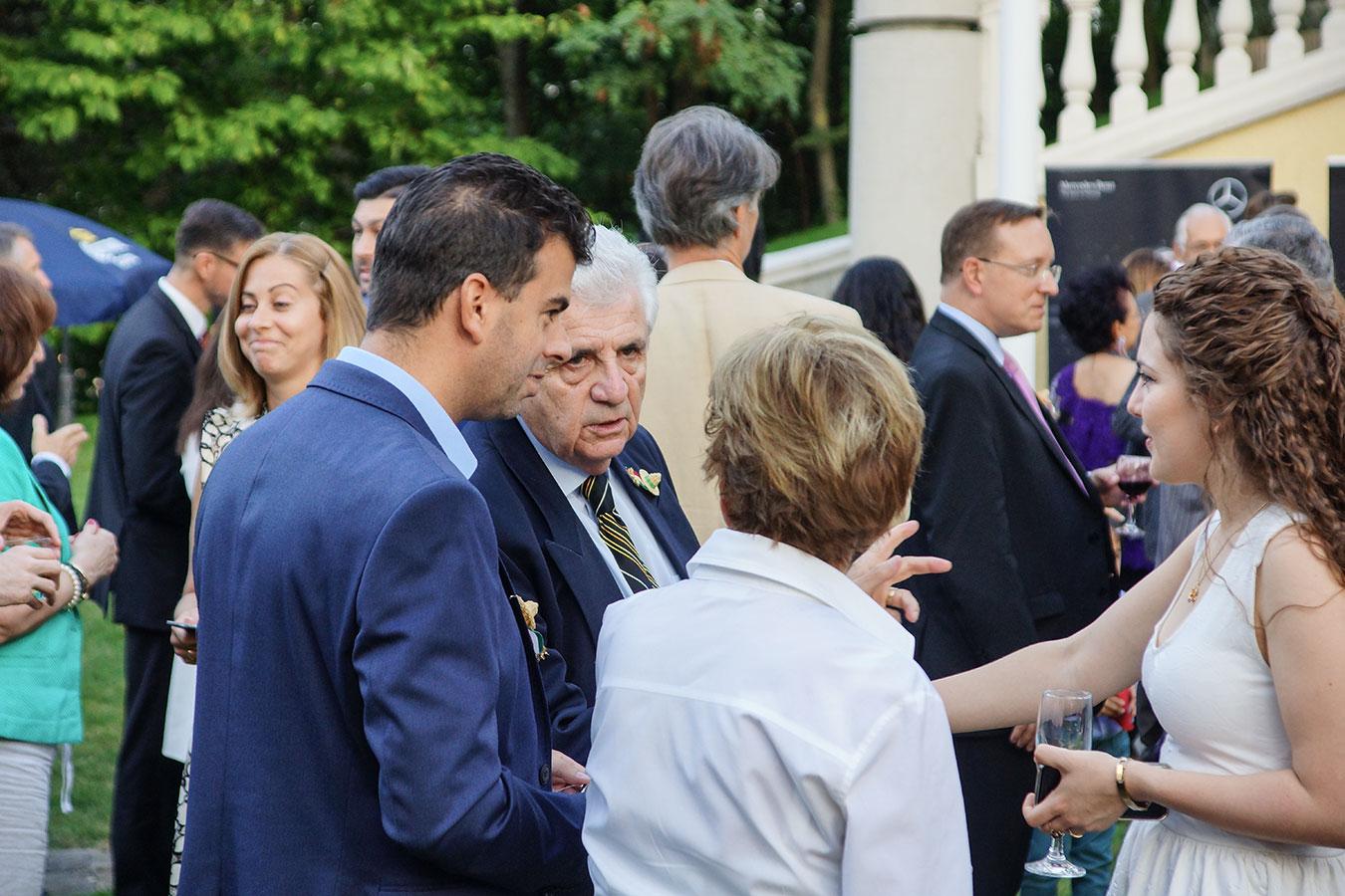 Horvát János újságíró, riporter, televíziós és diplomata