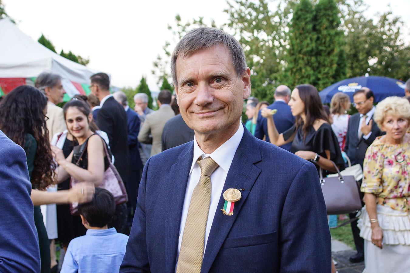 Őexc. Olav Berstad, a Norvég Királyság nagykövete