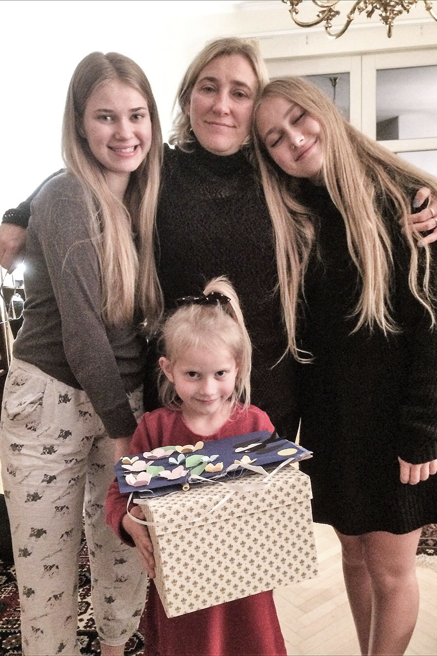A nagykövet családjának hölgytagjai: hitvese, Elena, valamint lányai, Marianne, Inger és Katrine (Privát fotó)