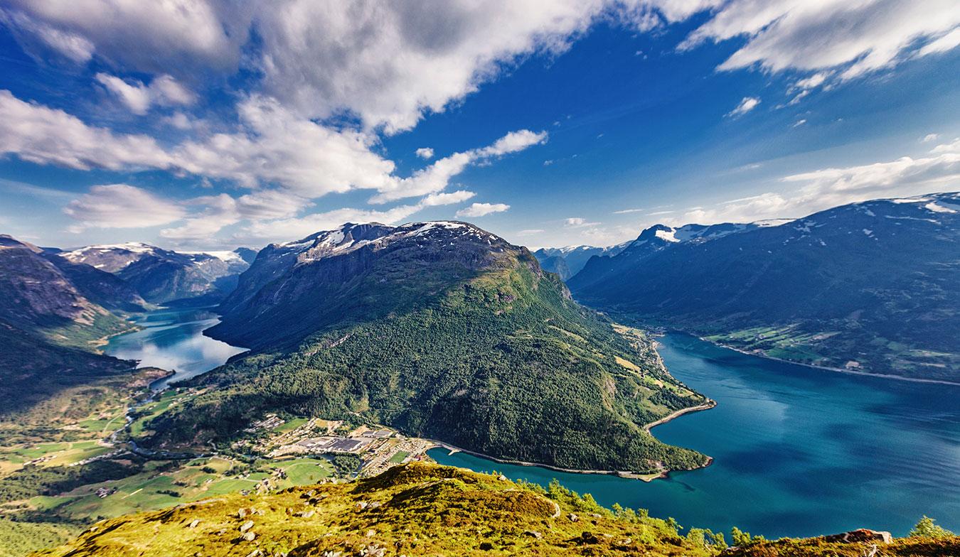 n-olav-berstad-2018-fjord-loen.jpg