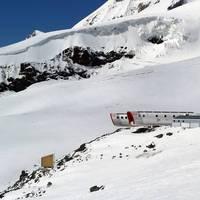 Futurisztikus hütte az Elbruszon