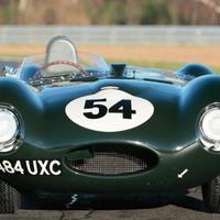 Rekordösszegért kelt el egy győztes Jaguar D-type