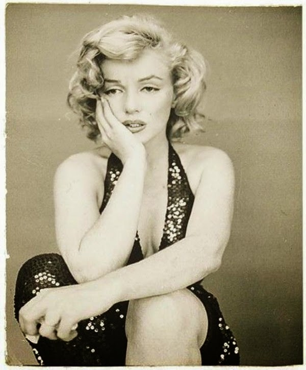 Marilyn Monroe Photographed by Richard Avedon, 1957 (12)5.jpg