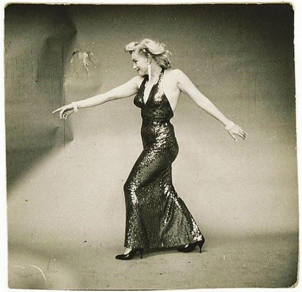 Marilyn Monroe Photographed by Richard Avedon, 1957 (3)5.jpg