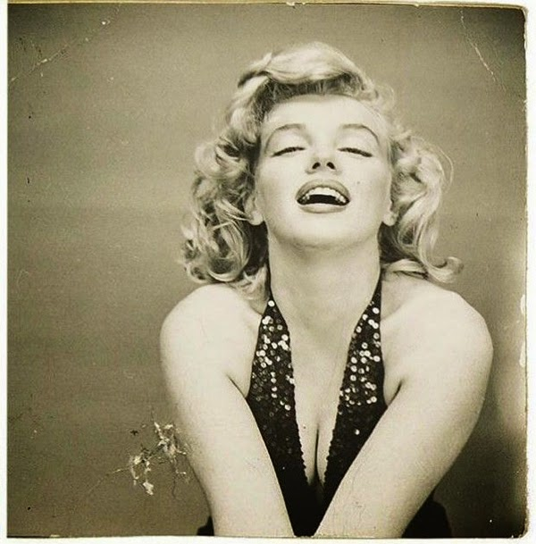 Marilyn Monroe Photographed by Richard Avedon, 1957 (7)5.jpg