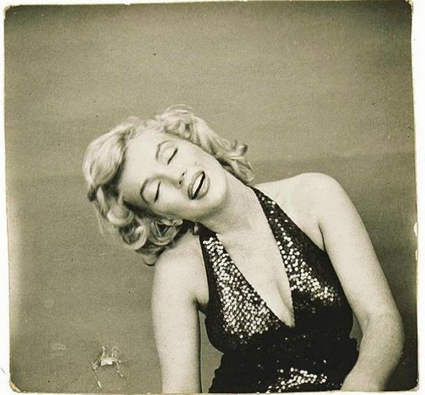 Marilyn Monroe Photographed by Richard Avedon, 1957 (8)5.jpg