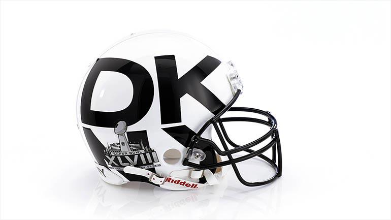 2. hely: DKNY 3825 dollár