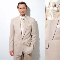 Hogyan viseljük a fehér öltönyt?