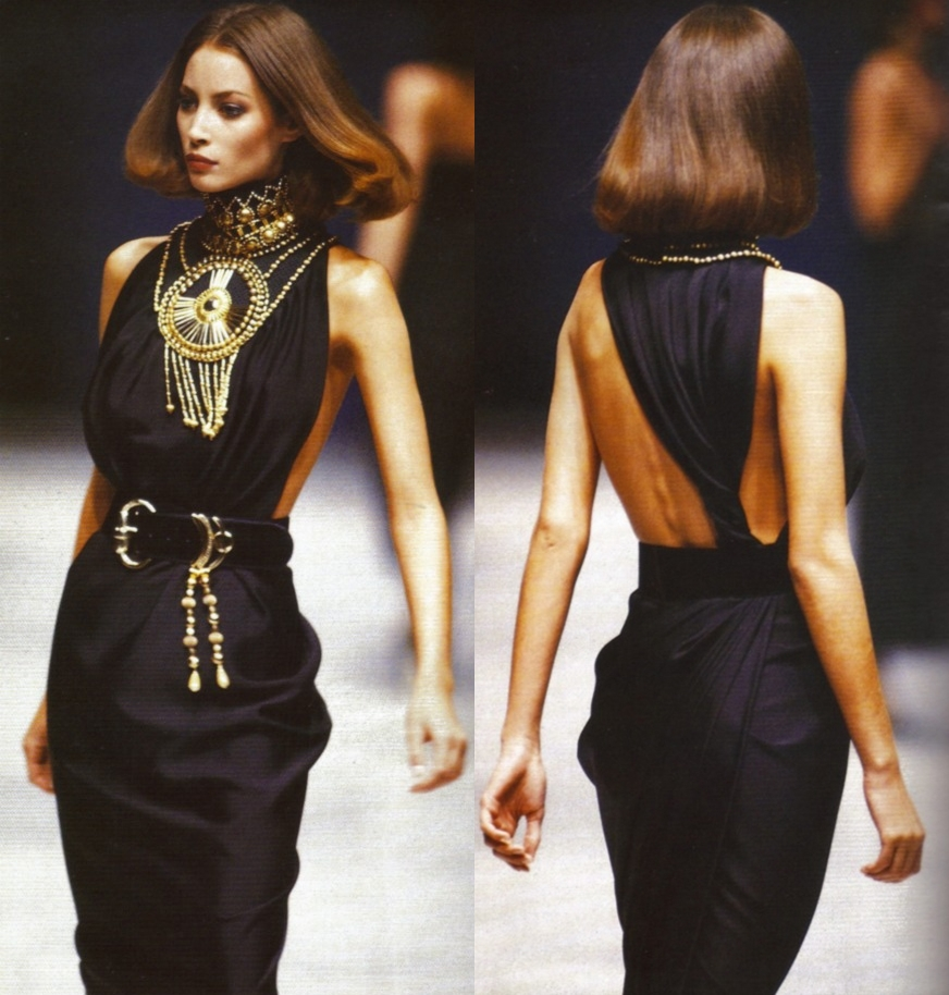 Christy Turlington Versace kifutón, 1990.