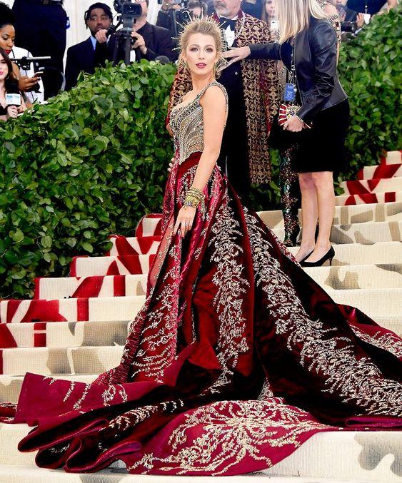 Blake Lively a Met Gálán Versaceban, forrás: Pinterest