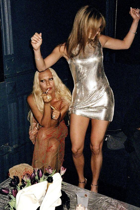 Jennifer Lopez és Donatella Versace, forrás: Pinterest