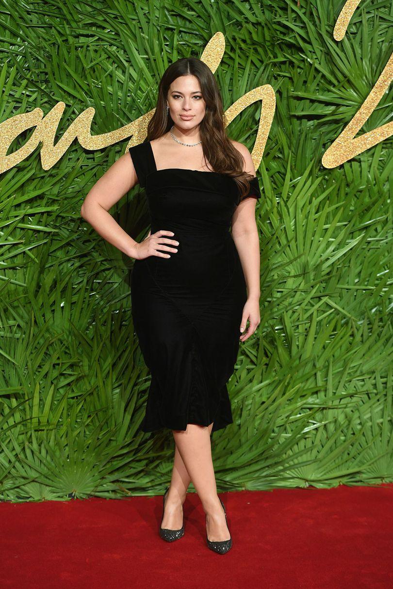 Ashley Graham idén elsőként (!) túlsúlyos modellként felkerült a Forbes legjobban fizetett modellek listájára. <br />Forrás: vogue.co.uk