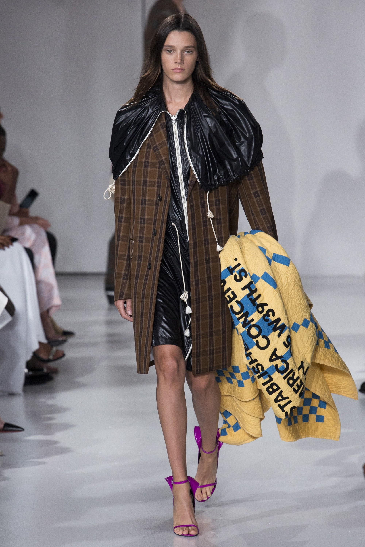 Calvin Klein '18 Tavasz<br />Forrás: Vogue