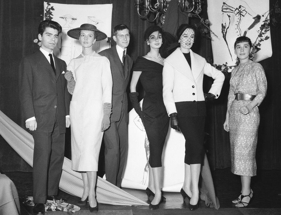 Karl karrierjének kezdetén, az '50-es években, forrás: Harper's Bazaar US