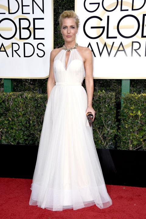Gillian Anderson megjelenésétől egyszerűen a lélegzetem is elállt, amikor megláttam. Csoda. Mást nem tudok hozzáfűzni. Ruha: Jenny Packham Fotó: Harper's Bazaar