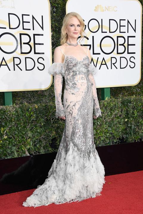 Nicole Kidman megjelenését több hazai sajtóorgánum szétszedte, a külföldiek és én is, imádom. Egy nagyon is trendi Alexander McQueen ruhát választott a nagy eseményre, és nagyon is jól állt neki, a ruha pedig maga a gyönyörűség. Ruha: Alexander McQueen Fotó: Harper's Bazaar