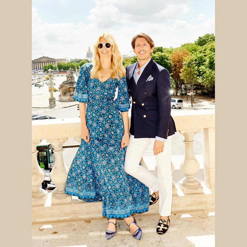 És éppen ezért, ő is együttműködik a márkával. A fotón Claudia Schiffer és Edgardo Osorio láthatóak. Utóbbi az Aquazzura egyik alapítója, aki 25 évesen, 6 évvel ezelőtt mutatta be az első Aquazzura kollekciót - őrült sikerrel. Fotó: Aquazzura.com