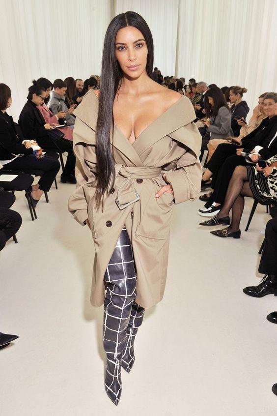 A celebvilágban talán a Balenciaga legnagyobb rajongója maga KimK. Forrás: look.co.uk