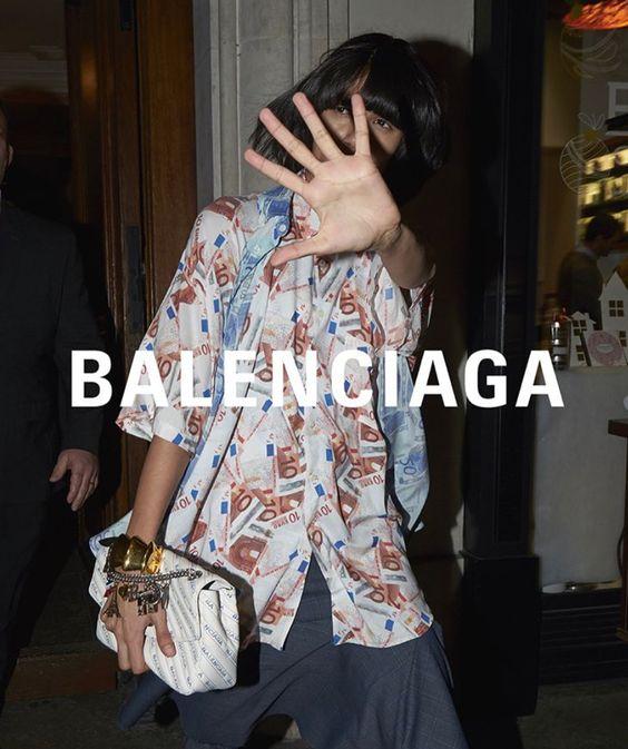 A Balenciaga 2018 tavaszi kampányfotója, forrás: Pinterest