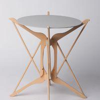 Fa ruhafogasból kisasztal 2.