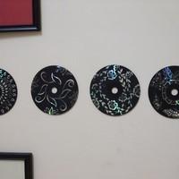 Fali dekoráció használt CD-ből
